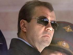 Медведев узнал, что большинство предпринимателей не верит в его меры против коррупции и кризиса