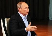 Путин считает неадекватной реакцию Запада на аннексию Крыма